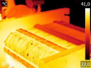 Figura 2 Scambiatore di calore incrociato – sono visibili le 2 porzioni superiori con diversa temperatura